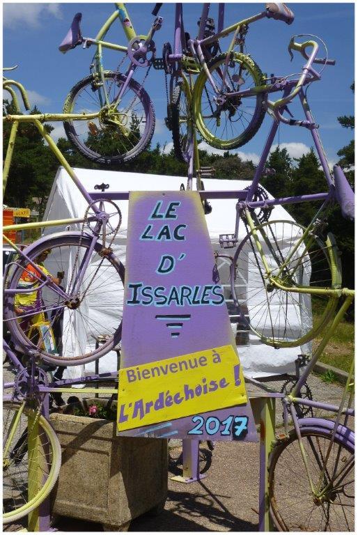 18-Ardéchoise  juin 2017  arrivée au lac d'Issarles